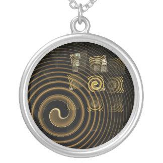 Collier argenté abstrait d'hypnose