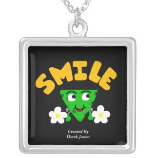 Collier argenté carré de sourire de FrankenCheese