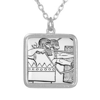 Collier Art grec de guerrier
