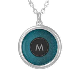 Collier bleu et noir d'argent de monogramme