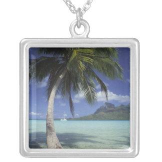 Collier Bora Bora, Polynésie française Mt. Otemanu vu
