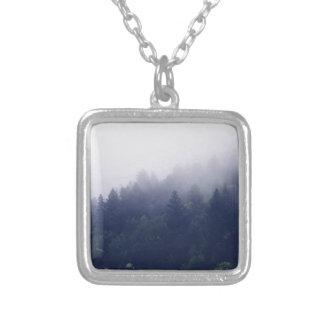 Collier Brouillard de forêt