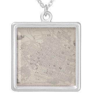 Collier Carte antique de la Belgique