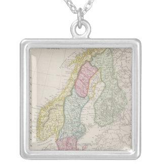 Collier Carte antique de la Suède