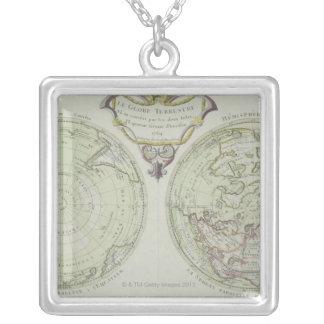 Collier Carte du monde 14