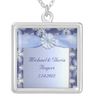 Collier Célébration bleue en cristal de flocon de neige