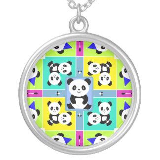 Collier Couleurs lumineuses d'ours panda adorables