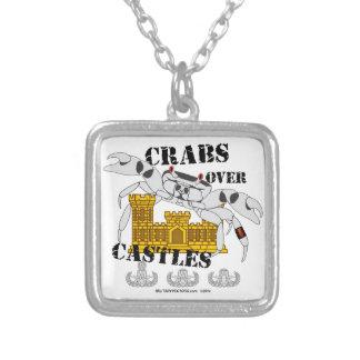 Collier Crabes au-dessus des châteaux