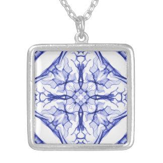 Collier Croix bleue médiévale