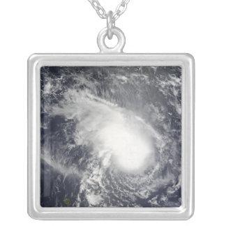 Collier Cyclone tropical Gael approchant le Madagascar