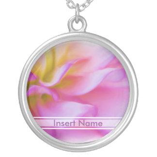Collier Dahlia rose de fleur