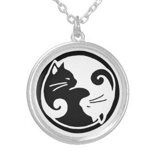 Collier de chats de Yin Yang