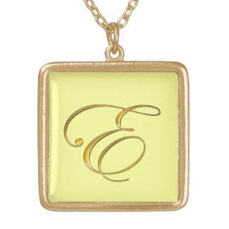 Collier de l'initiale E de monogramme d'or