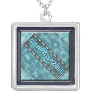 Collier de logo d'AmaraDazzle