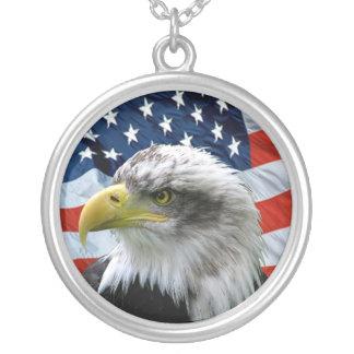 Collier de pendentif de drapeau américain d'Eagle