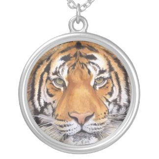 Collier de tache de tigre
