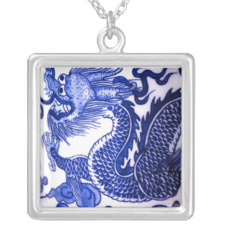 """Collier """"Dragon bleu et blanc de porcelaine """""""