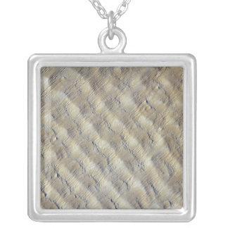 Collier Dunes de sable dans l'erg de Fachi-Bilma