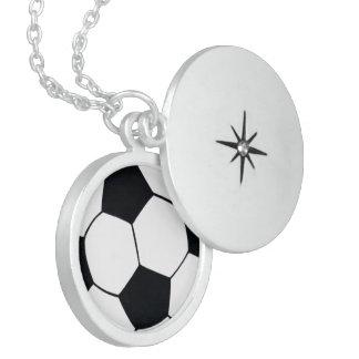 COLLIER EN ARGENT J'AIME LE FOOTBALL (LE FOOTBALL)