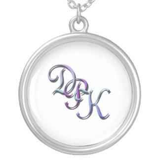 Collier en pastel des initiales DPK