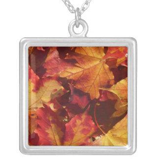 Collier Feuille d'automne de chute