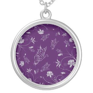Collier Fleurs et papillons de scintillement de diamant
