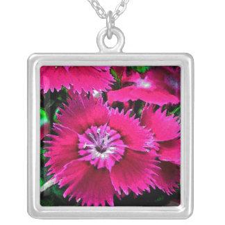 Collier Fleurs roses de jardin d'oeillet