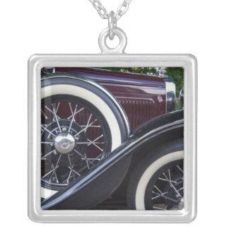 Collier Ford 1930 une voiture classique