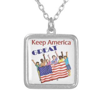 Collier Gardez le grand défilé adulte de l'Amérique
