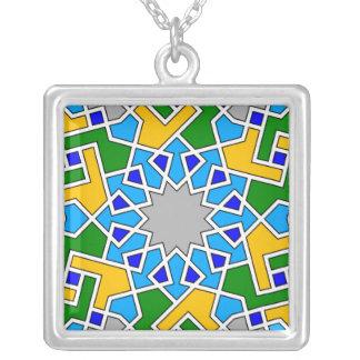 Collier géométrique islamique de motif