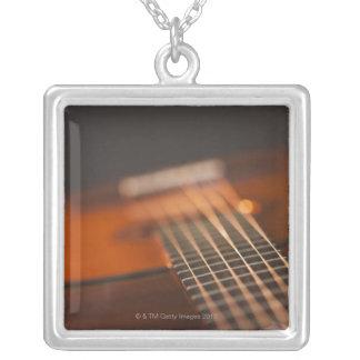 Collier Guitare acoustique 4