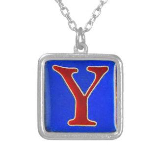 Collier initial de Y