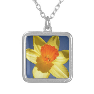 Collier Jonquille jaune et de couleur orange