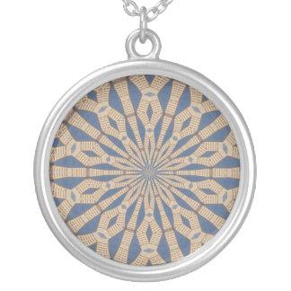 Collier Kaléidoscope de lumière de point de ressort