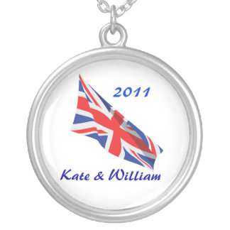 Collier /Kate l'épousant royal et William