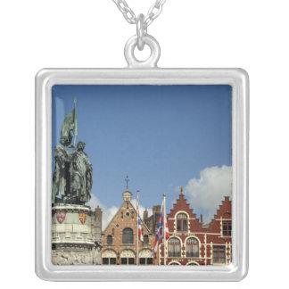 Collier La Belgique, Bruges (aka Brug ou Bruge). L'UNESCO