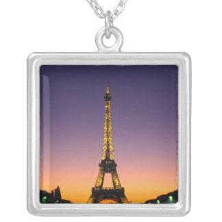 Collier La France, Paris, visite Eiffel au coucher du