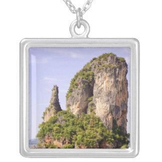 Collier La Thaïlande, mer d'Andaman. Îles d'ao Phang Nga
