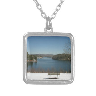 Collier Lac snowy