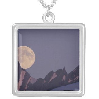 Collier L'Alaska, hausses de pleine lune de montagnes de