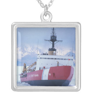 Collier L'Antarctique, île de Ross, station de McMurdo,