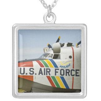 Collier L'Armée de l'Air Grumman HU-16B de nez