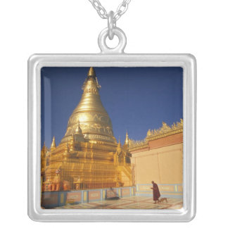 Collier L'Asie, Birmanie (Myanmar) Mandalay, colline de