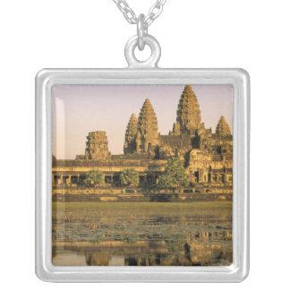 Collier L'Asie, Cambodge, Siem Reap. Angkor Vat.