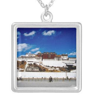 Collier L'Asie, Thibet, Lhasa, le Palais du Potala. UNECSO