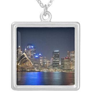 Collier L'Australie, Sydney. Horizon avec le théatre de