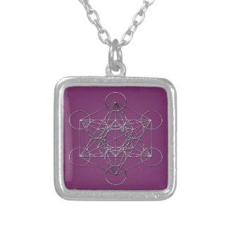Collier Le cube de Metatron argenté en métal