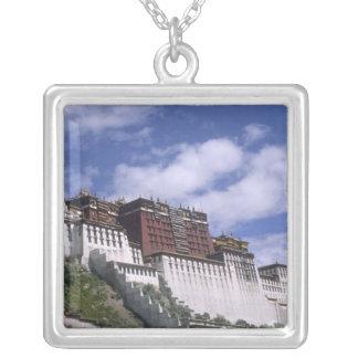 Collier Le Palais du Potala sur la montagne la maison du