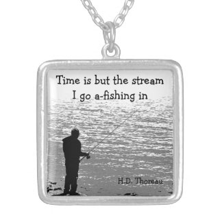 Collier Le temps de citation de Thoreau est mais le
