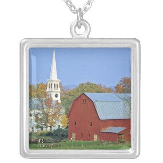 Collier Les Etats-Unis, Vermont, Peacham. Une grange et un
